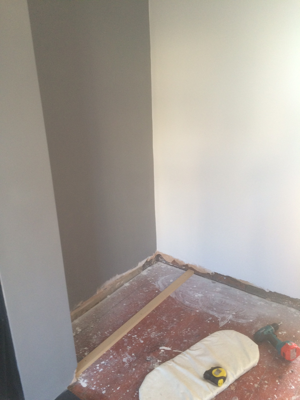 Carpenter Services, Bristol - Slide One